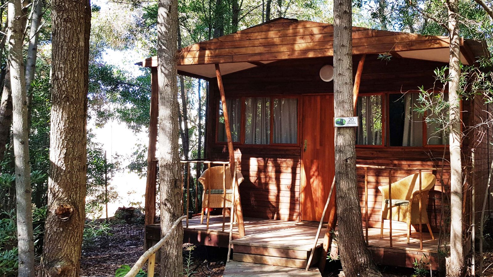 superior-timber-cabin-exterior