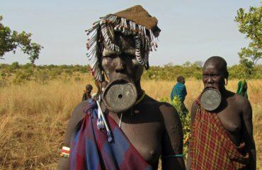 ethiopia-tribe-lip-plate