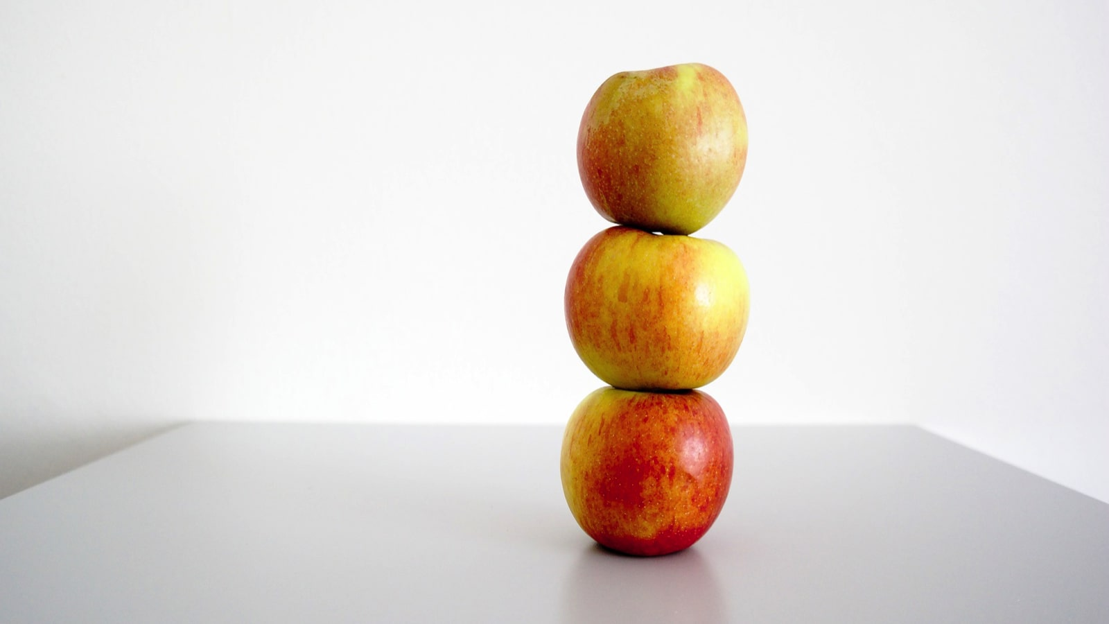 minute-to-win-it-apple-stack